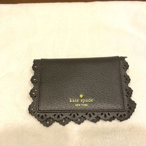 Kate Spade ♠️ leather scalloped card holder!